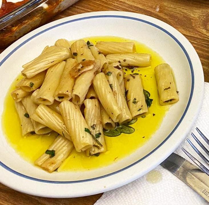 Rigitoni and olive oil